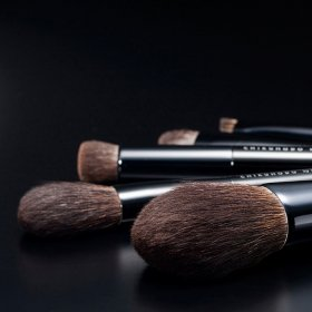 Щёточка для бровей Chikuhodo Face Brush Screw R-B3