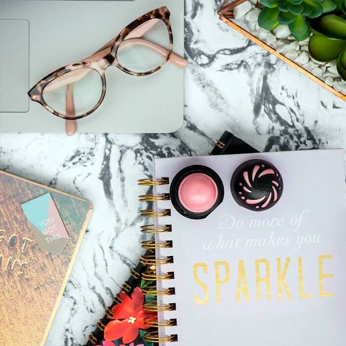Бальзам для губ EOS Shimmer Lip Balm - Sheer Pink