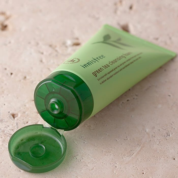 Очищающая пенка Innisfree Green Tea Cleansing Foam