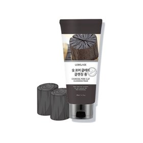 Пенка для умывания Lebelage Charcoal Pore Clay Cleansing Foam