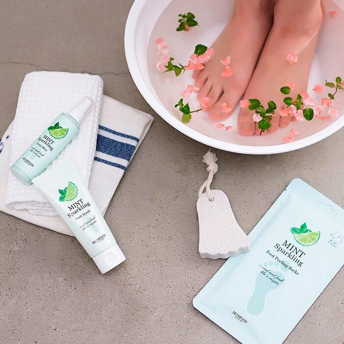 Пилинг-носочки Skinfood Mint Sparkling Foot Peeling Socks