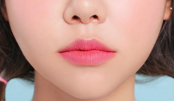 макияж губ тренд 2018