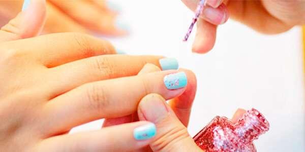 косметика для макияжа ногтей